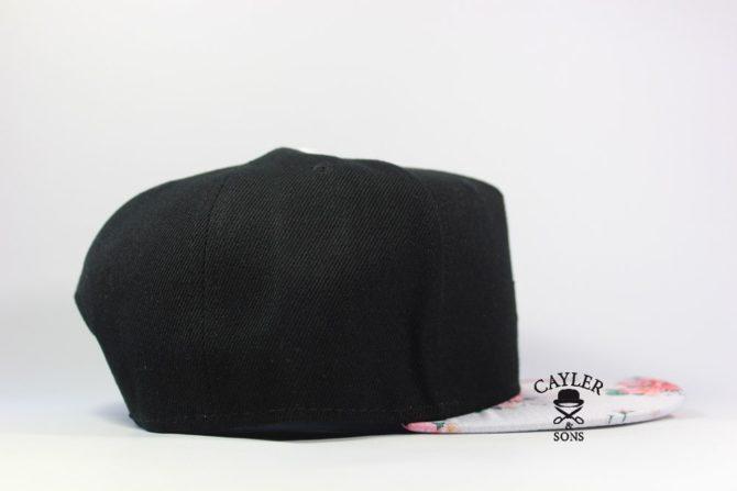 черная бейсолка snapback Cayler Sons козырьек с цветами кепка