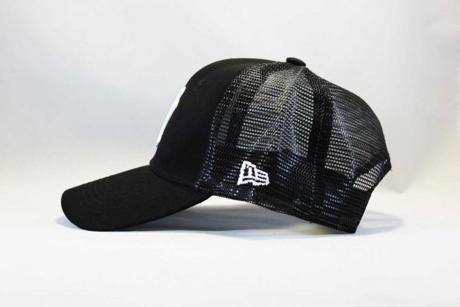 янки летняя кепка бейсболка Trucker NY New York Yankees черная сеточка