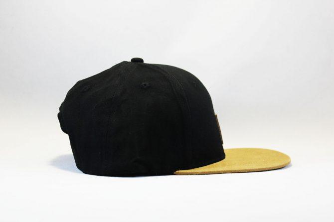 коричневый козырек кепка snapback Carhartt черно-коричневая с кожаным логотипом