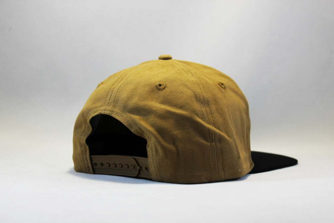 короткий козырек кепка Snapback Carhartt коричневая с кожаным логотипом